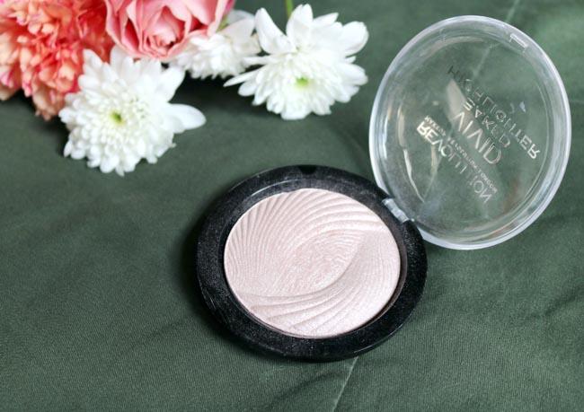 Makeup Revolution Highlighter in Radiant Lights