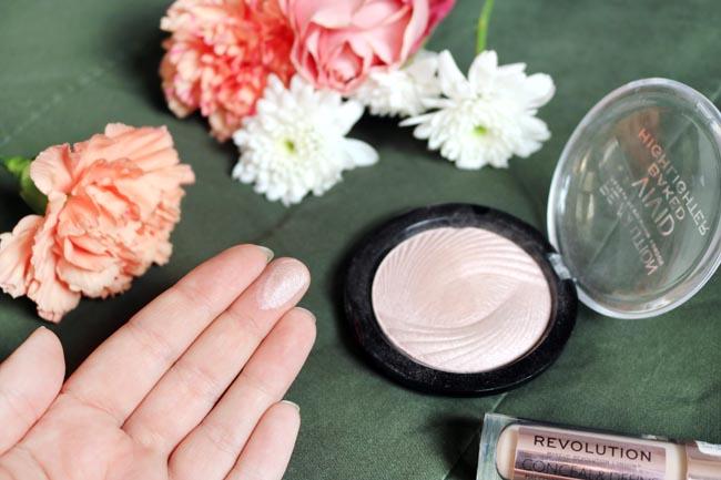 Makeup Revolution Highlighter Swatch