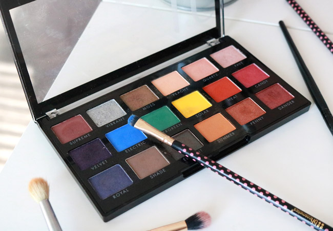 18 Hit Wonder Eyeshadow Palette