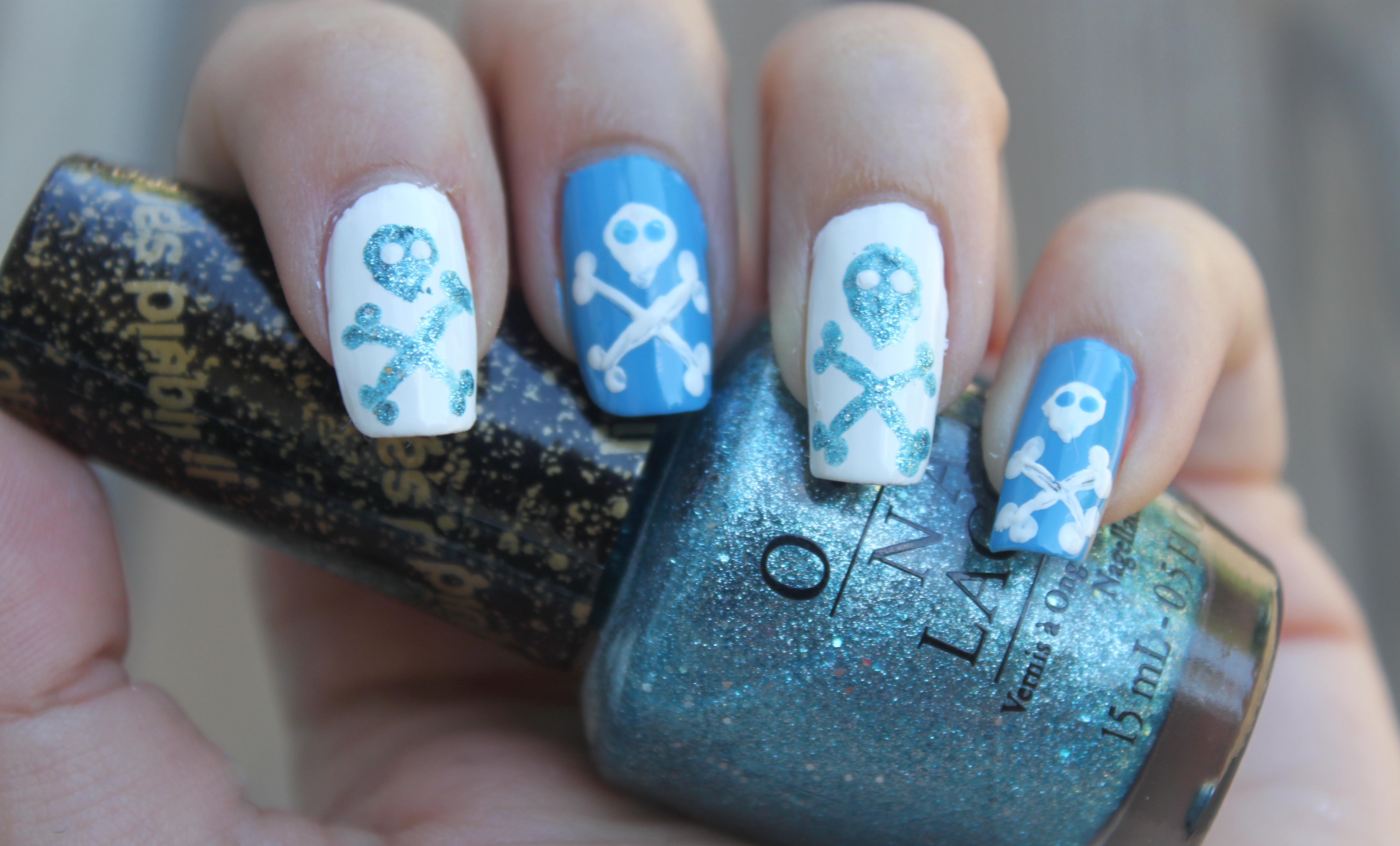 Skull and Cross Bones Halloween Nails